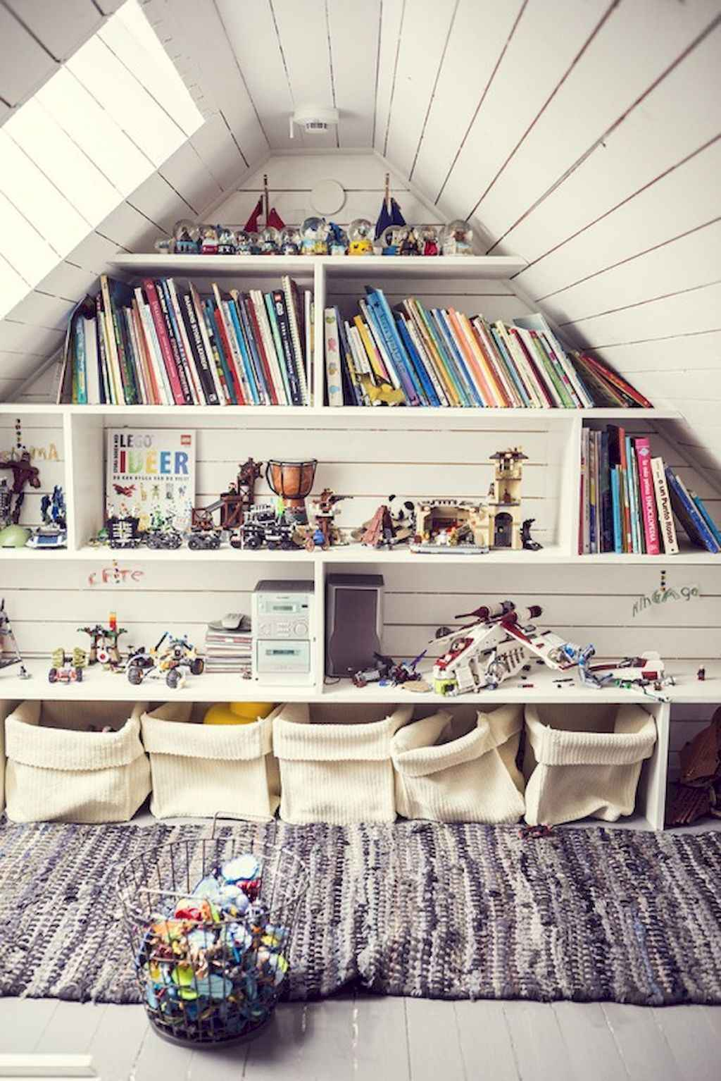 25 stunning home libraries with scandinavian style (47)