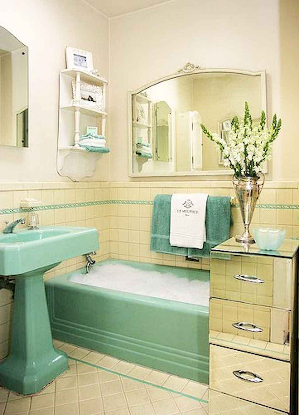 70+ stunning vintage bathroom decor & design ideas to inspire you (59)