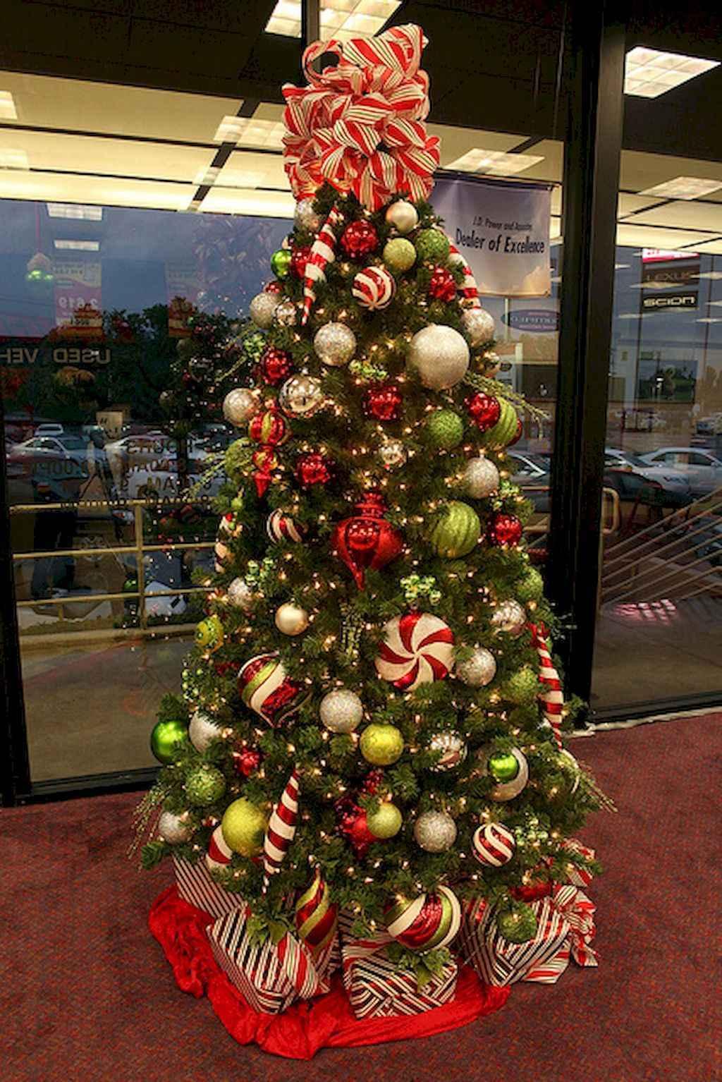 50 stunning modern christmas tree decorations 15 for Modern xmas tree ideas