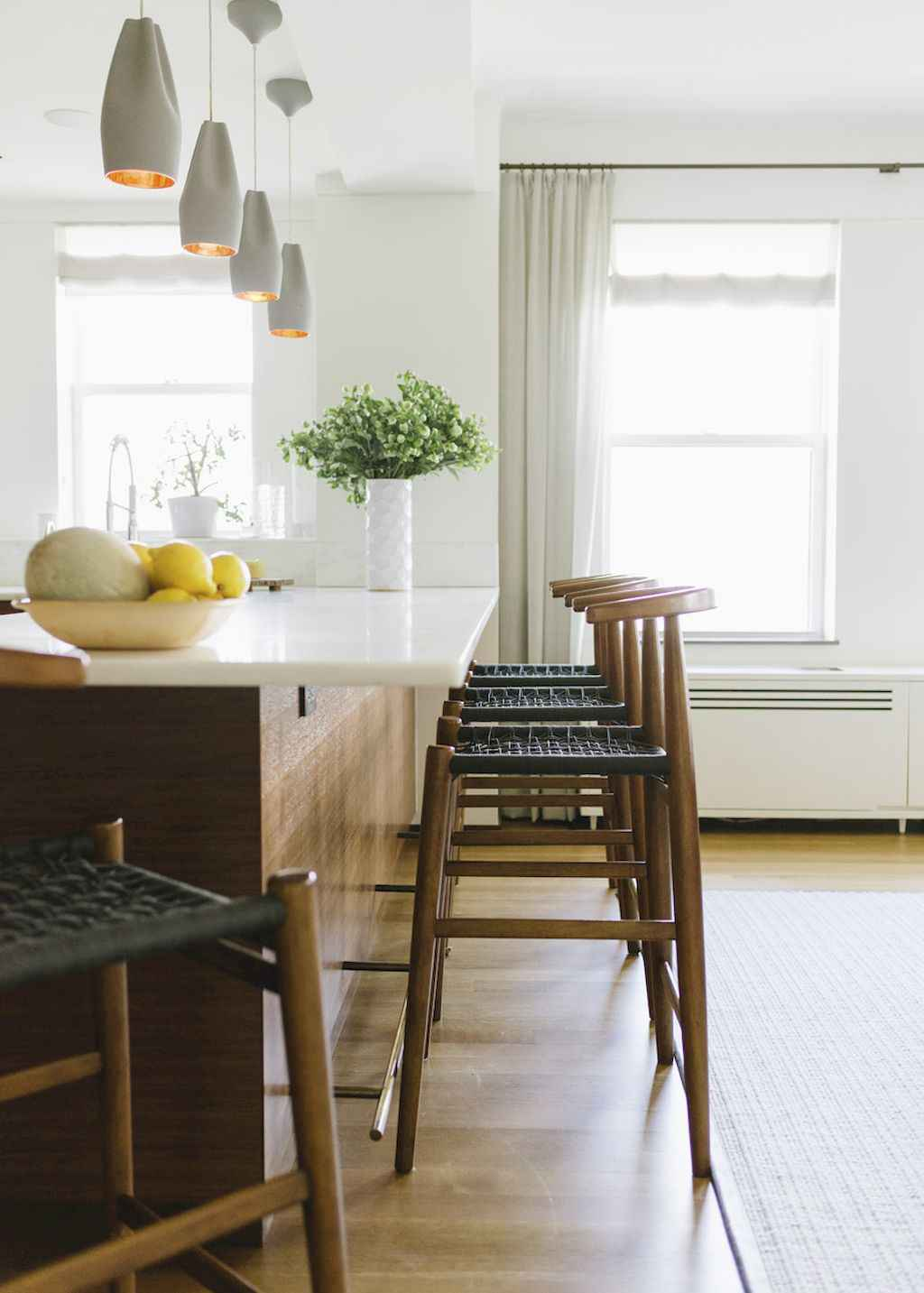 Cool apartment kitchen for Cool modern kitchens