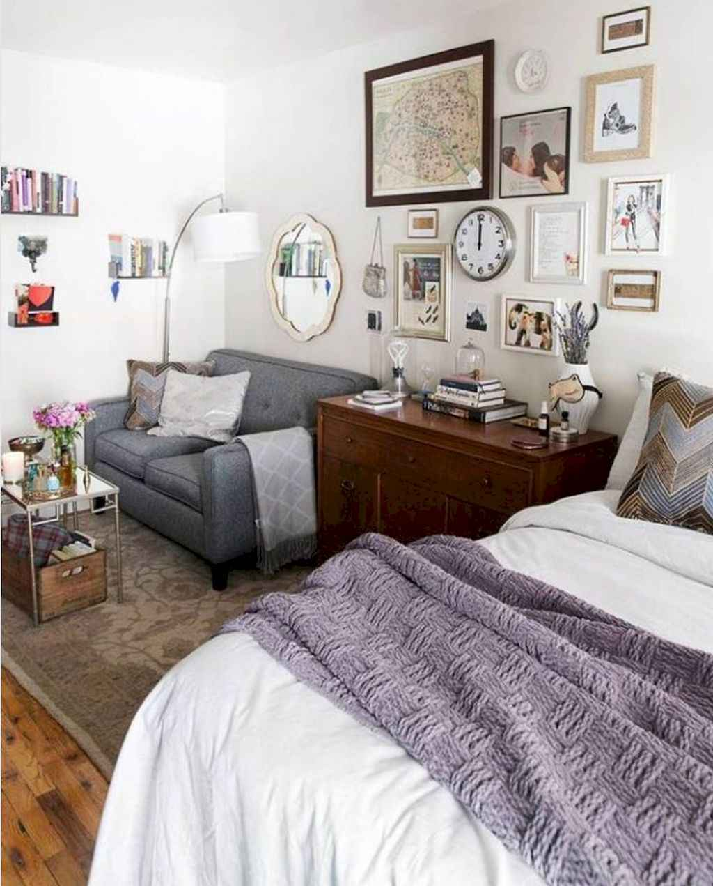 77 magnificent small studio apartment decor ideas 22 for Studio apartment living ideas