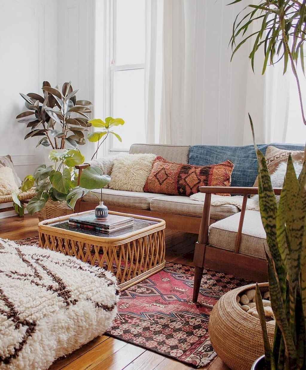 88 beautiful apartment living room decor ideas with boho for Beautiful room decoration